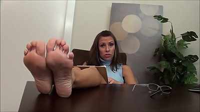 FOOT JOI (PSYCHIATRIST THERAPY)
