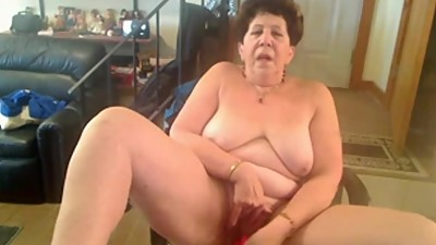 Nasty granny lady toying her pussy and..