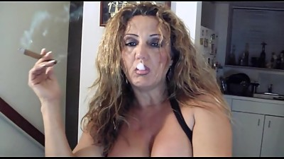 Mature blonde smoking cigar bis