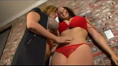 Gianna Michaels And Sara Jay 2 : enter..