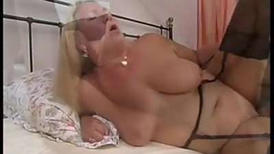 german_mature_gets_fucked_on_the_bed.
