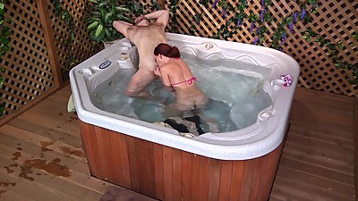 Horny, Hot Tub Girl Gets a Face Full..