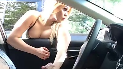 Dick flash! Milf catches young guy..