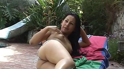 Asian chick with dark pussy lips gets..