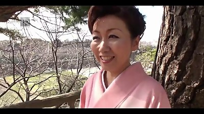 39 yr old Yayoi Iida Swallows 2 Loads..