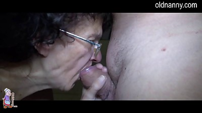 Oldnanny and young girl trying blowjob..