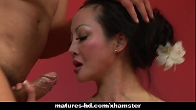 Mature Asian slut Angie Venus gets ass..