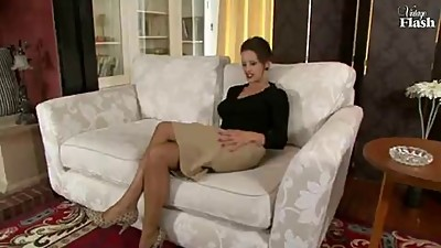Sexy voiiced milf