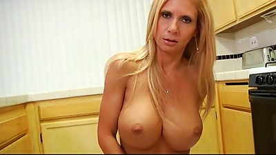 gorgeous milf plays with a..