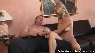 Older Honey Strpped And Cock Sucks His..