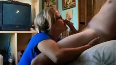 Amateur wife blowjob and facial