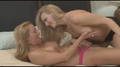 2 Milfs in Sensual Lesb Action (Gr-2)