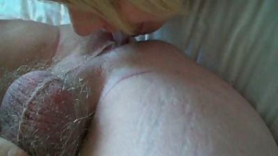 MATURE COCK SUCKING ARSE LICKING SLUT..