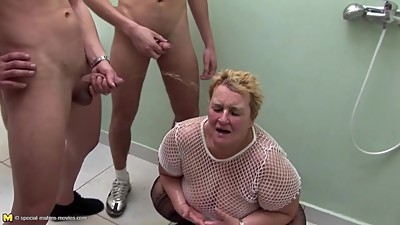 Big granny at crazy pee gangbang with..