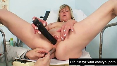 Mature Nada old pussy checked with..