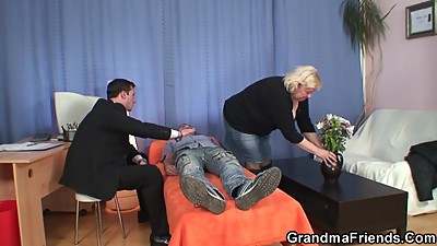Busty granny in pantyhose takes double..