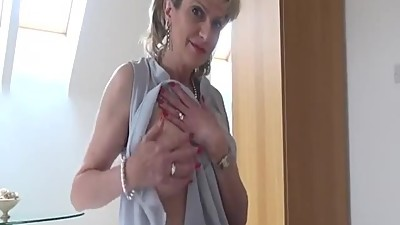 British MILF Walks Into Her..