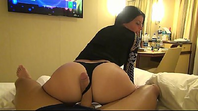 SUPER HANDJOB WITH EXPERIENCED MILF -..