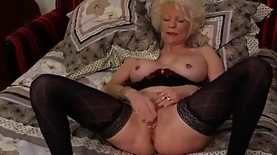 Sex date with busty slut mature.avi